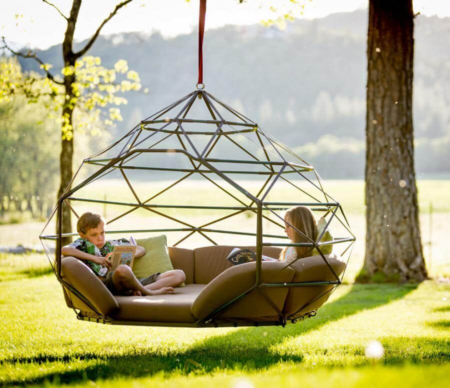 Day Use Hammocks Usually Do Not Offer Much Space Because People Just Use  Them To Lounge Inside Of Their Homes Or The Front Lawn/backyard.